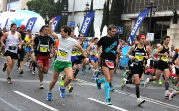 Barcelona marathon runners
